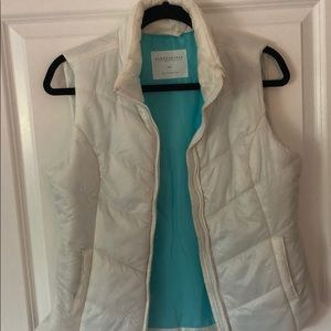 Aeropostale White Puffy Vest